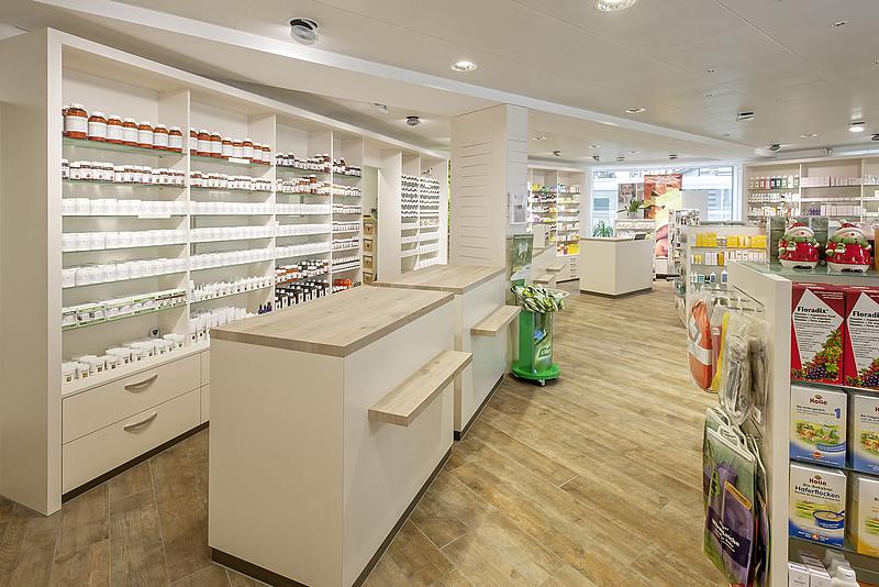 Safran Drogerie Verkaufsladen Hausspezialitaetenbereich Theken